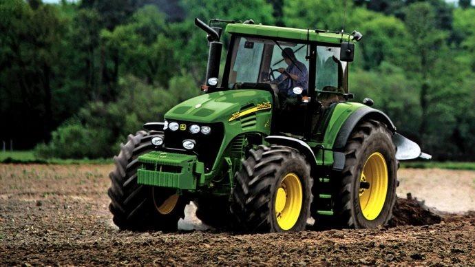 La cote agricole d'occasion tracteur - John Deere 7920, l'adhérence d'un américain, la maniabilité d'un européen
