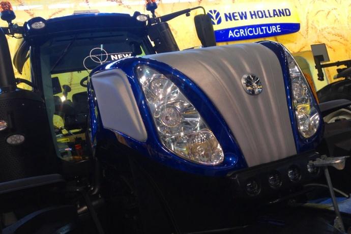 Un tracteur hybride au Sima - Première présentation en France pour le T8 New Holland série Smarttrax