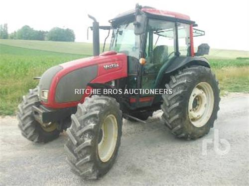 Valtra A92 4WD Agricultural Tractor