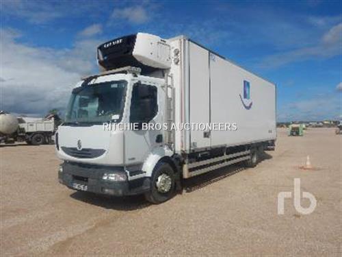 Renault MIDLUM 220DXI Refeer truck 4x2