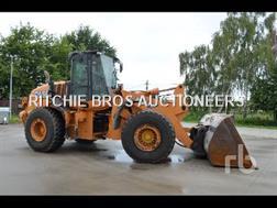 CASE Construction 821F Chargeuse Sur Pneus