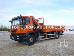 Iveco TRAKKER 190.33 Camion Plateau Avec Grue