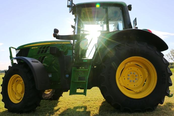 Tracteurs John Deere - La série 6 passe au Stage 4