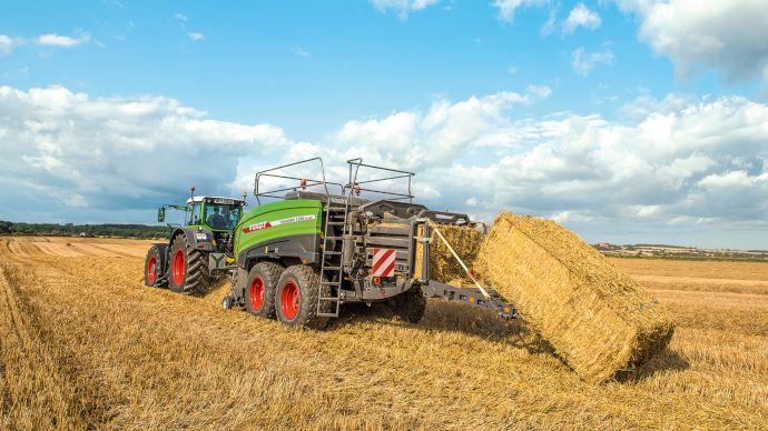 Agritechnica - Des nouveautés dans la gamme pressage de Fendt
