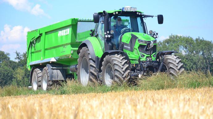 Tracteur - Deutz-Fahr 6145.4: un quatre cylindres auxmêmes performances qu'un six!