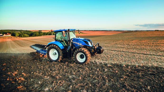 Nouveauté tracteur - New Holland ajoute le six cylindres compact de 135ch à sa gamme T6