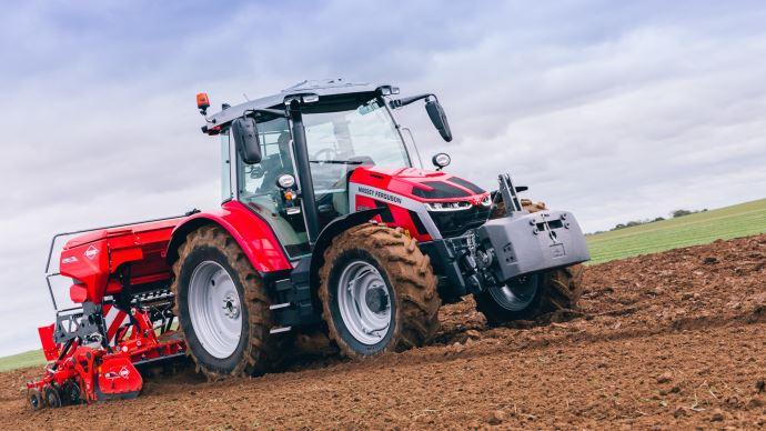 Nouveauté tracteur Massey Ferguson - Lasérie MF 5S sur sa rampe de lancement: mise en orbite immédiate!