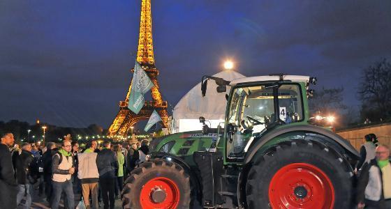 Des tracteurs comme vecteur de communication - Retour sur le partenariat Fendt avec la 1ere édition de la Nuit Verte