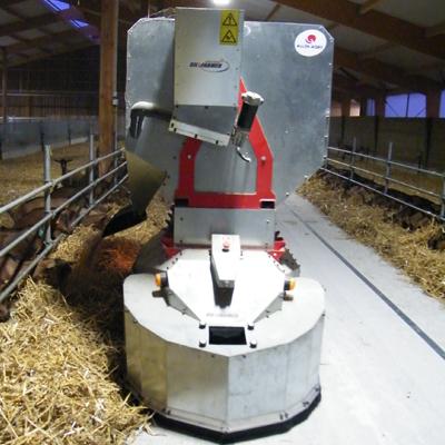 Distributeur d'aliments au sol robotisé